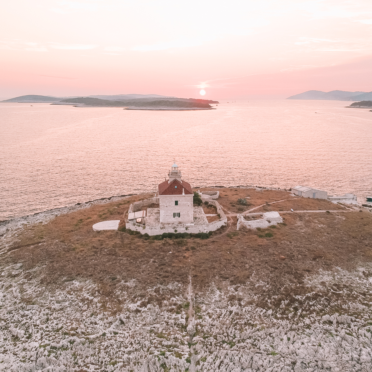 drone_view_over_the_island